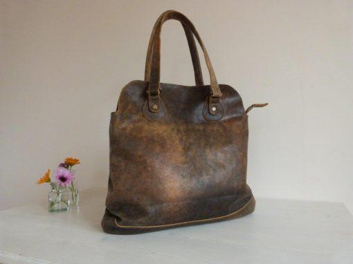 De Marit-bag: Handige schoudertas van gerecycled leer
