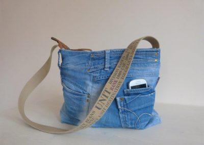 jeanstas met telefoonvak