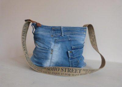 jeanstas voorzijde