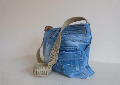 jeanstas zijkant