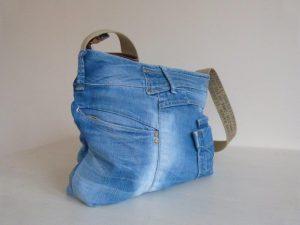 jeanstas zijkant aanzicht