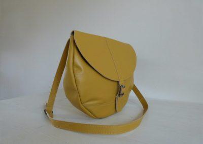 Gele tas gerecycled leer rond zijkant