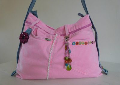 Roze tas gerecycled jeans close