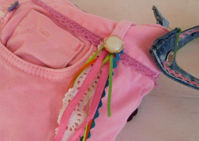 Roze tas gerecycled jeans detail