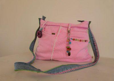 Roze tas gerecycled jeans verlengde schouderband