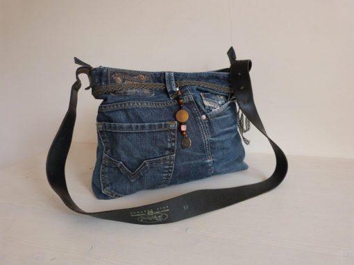 De Ellizz-bag: Diesel-jeans-tas met zwart leren draagband