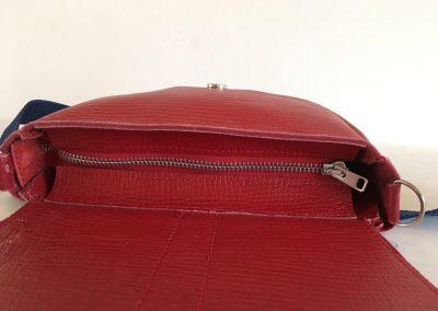 kleine rode tas met ritssluiting